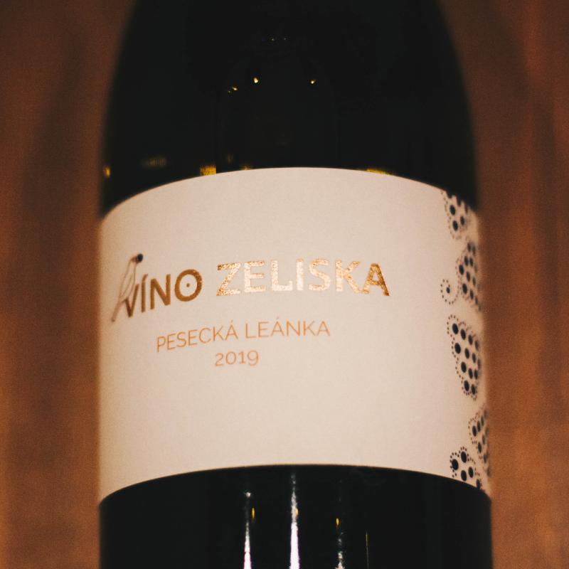 Pesecká leánka 2019 Víno Zeliska